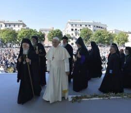 Papież Franciszek modlił się o pokój