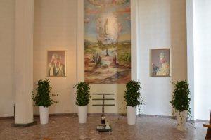 Kwiaty w bocznej kaplicy